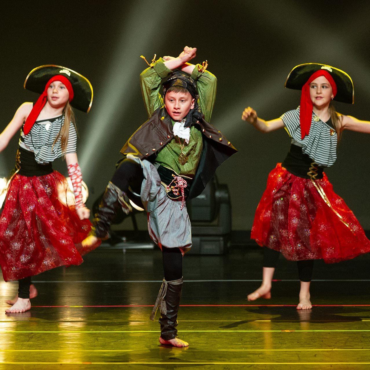 Academie-ballet-spectacle-2019-garcons-danse